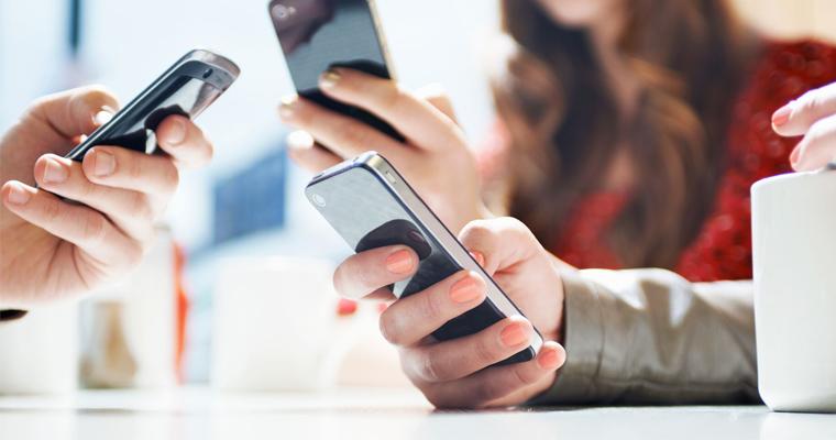 Чи варто брати міні-кредит на карту для купівлі телефона?