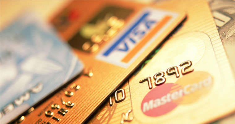 Кредит готівкою або на картку?