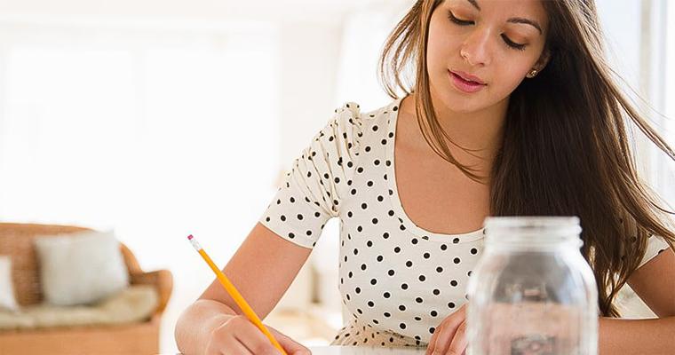 Як взяти кредит із маленькою зарплатою?