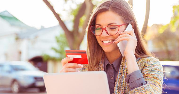 Мікрокредит на картку або готівка — що обрати?