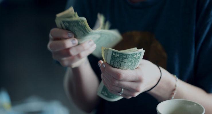 Інтернет-кредитування: кому не вигідно брати кредити?