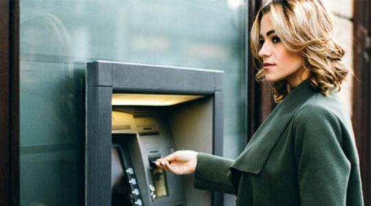 Взять кредит наличными или на карту?